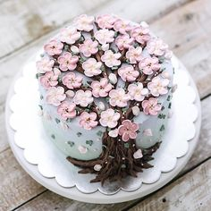 Blossom cake by @ivenoven This cake is so beautiful!!! I am a big fan of this cake. #cake #cakeart #cakes #cakedesign #cakedecorating #flowercake #flowers #flower #buttercream #macaron #meringue #amourducake #food #foodporn #pastry #bakery #photooftheday #picoftheday