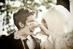 This collection of 200 Most Romantic Muslim Couples Islamic Wedding Pictures will amaze you with how romantic the bride and groom can look for their Islamic wedding. Cute Muslim Couples, Romantic Couples, Wedding Couples, Adorable Couples, Married Couples, Wedding Poses, Romantic Weddings, Wedding Ideas, Couple Musulman