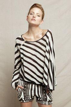S & B Vie is a sub-label for Sass and Bide, targeting younger females. This is the Spring/Summer fashion collection for Sass and Bide was founded in Party Fashion, Fashion Shoot, Boho Fashion, Fashion Looks, Fashion Design, Style Wish, My Style, Blusas Top, Sass And Bide