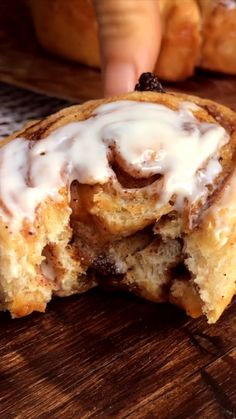 Zimtschnecken mit Frischkäse-Frosting…American Cinnamon-Rolls with Cream Cheese-Frosting - New ideas Cinammon Rolls, Best Cinnamon Rolls, Recipe For Cinnamon Rolls, Cinnamon Roll Cakes, Homemade Cinnamon Rolls, Biscuit Cinnamon Rolls, Rolls Recipe, Baking Recipes, Dessert Recipes