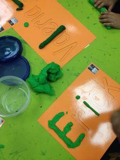 Play Dough Names Prek Classroom Preschool Names, Pre K Activities, Alphabet Activities, Preschool Classroom, Classroom Activities, Kindergarten Language Arts, Bilingual Education, Kindergarten Literacy, Beginning Of School