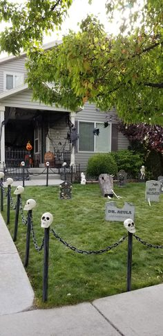 Halloween yard decorations, graveyard, Halloween stanchions