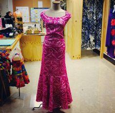Samoa Island Wear, Island Outfit, New Dress Pattern, Dress Patterns, Samoan Dress, Island Style Clothing, Different Dress Styles, Hawaiian Fashion, Hawaii Dress