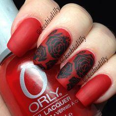 red matte black roses