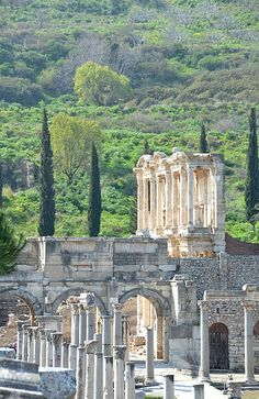 ) http://www.TravelPod.com - View of Library of Celsus in ancient city Ephesus  by TravelPod member Momentsintime, from Selcuk, Turkey