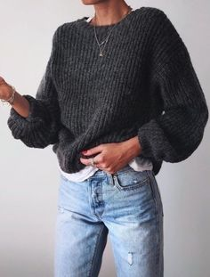 Street Style : streetstyleplatform:Grey Knit Sweater - Street Style : streetstyleplatform:Grey Knit Sweater Informations About Street Style : streetstylepl - Mode Outfits, Winter Outfits, Casual Outfits, Fashion Outfits, Summer Outfits, Casual Jeans, Dress Casual, Looks Style, My Style