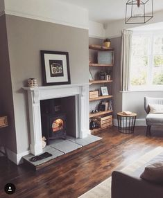 Living room ideas furniture layout interior design ideas for 2019 Dark Wood Living Room, Living Room Colors, New Living Room, Living Room Interior, Living Room Designs, Kitchen Living, Cozy Living, Living Room Decor Uk, Dark Wooden Floor Living Room