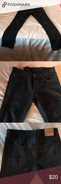 Men's Abercrombie & Fitch jeans 32x34 Light worn men's Abercrombie & Fitch jeans. 32x34 skinny denim dark blue navy color. Real great fit!! Abercrombie & Fitch Jeans Skinny