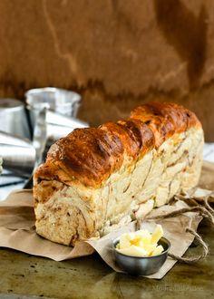 Long Shortcuts /-/ Yeasted Wholemeal, Cinnamon swirl Banana Bread - The moonblush Baker