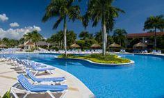 Gran Bahia Principe La Romana   La Romana, Republique Dominicaine  Ce complexe est petit et coquet et dégage un charme spécial.   Il est entièrement restauré et se dresse au milieu de superbes jardins tropicaux.  Il est situé en front de mer, ce qui vous permet d'admirer la baie bordée de cocotiers.