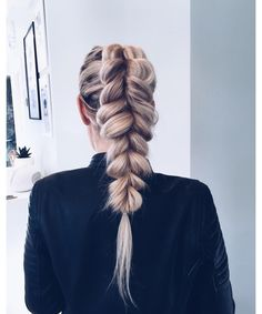 Find images and videos about hair, perfect and braid on We Heart It - the app to get lost in what you love. Cara Loren, Pull Through Braid, Barefoot Blonde, Emily Rose, Different Hairstyles, About Hair, Jennifer Aniston, Human Hair Extensions, Selena Gomez