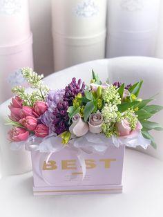 Best Hat Box Flowers, Pastel Flowers, All Flowers, Flower Boxes, Amazing Flowers, Posy Flower, Flower Art, Beautiful Flower Arrangements, Floral Arrangements