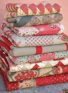 Luv folded quilts.