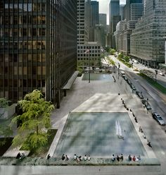 Two water surfaces enhance value of the square in front of the Seagram Building. Photo: © Richard Pare