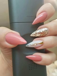 Fancy Nails, Love Nails, Trendy Nails, Bling Nails, Coral Nails, Long Stiletto Nails, Gel Nail Art Designs, Nails Design, Nagel Gel
