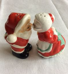 "Mid Century ""Kissing Santa"" Salt and Pepper"