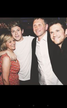 Niall Horan,Bobby Horan,Greg Horan, and Mum Horan.(she dosnt like her name out there) Niall Horan 2013, Zayn, Liam James, James Horan, Greg Horan, Five Guys, Irish Boys, Everything About You, I Love One Direction