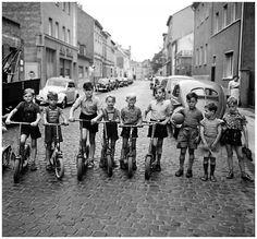 Josef Heinrich Darchinger, 1955 Die Roller-Kinder, Bonn