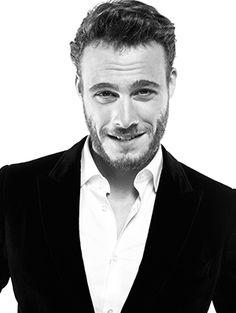 KEREM BÜRSİN'LE AŞK ÜZERİNE Turkish Men, Turkish Beauty, Turkish Actors, Hot Actors, Actors & Actresses, Man Bun, Film Aesthetic, Attractive Men, Best Actor