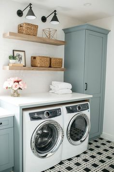 14 Laundry Room Design Ideas That Will Make You Envious. 14 Laundry Room Design Ideas That Will Make You Envious. Use these laundry room ideas to make the most out of your tiny laundry space! See some amazing laundry room makeovers, too! Small Laundry Space, Tiny Laundry Rooms, Laundry Room Layouts, Laundry Decor, Farmhouse Laundry Room, Laundry Room Organization, Laundry Room Design, Organization Ideas, Small Spaces