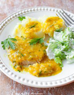 Schab gotowany w sosie dyniowym Snack Recipes, Dinner Recipes, Healthy Recipes, Snacks, Healthy Food, Pumpkin Sauce, Polish Recipes, Pork Loin, Curry