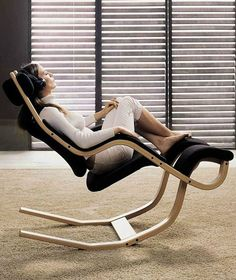 Recliner #chair GRAVITY™ balans® by Variér Furniture | #design Peter Opsvik #archiproducts