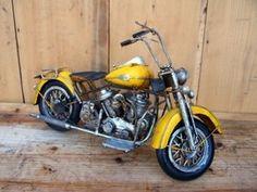 Machete motociclete retro - Harley galben Motorcycle, Retro, Vehicles, Biking, Motorcycles, Vehicle, Engine, Mid Century, Choppers