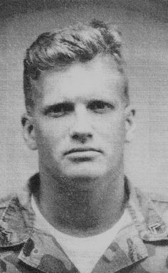 10 Veterans You Wouldn't Recognize In Uniform:  Drew Carey was in the USMC