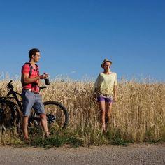 Die 10 schönsten Radtouren am Neusiedlersee Radler, Running, Couple Photos, Couples, Sports, Bike Rides, Vacation, Couple Shots, Hs Sports