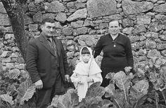RURAL CONTEMPORÁNEA: Virxilio Viéitez Spanish Eyes, Photo Report, The Prestige, Light And Shadow, Couple Photos, People, Places, Robert Capa, Black Photography