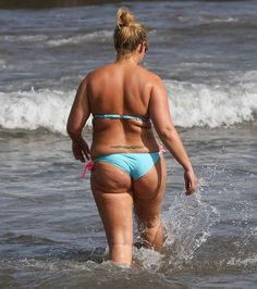 Chanelle Hayes bum in bikini