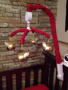 DIY Harry Potter snitch musical mobile
