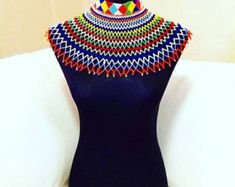 Items similar to African Necklace, Bracelet and Earring Set on Etsy Beaded Choker, Beaded Lace, Zulu Traditional Attire, African Necklace, African Beauty, Bracelet Set, Beading Patterns, Earring Set, Crochet Top
