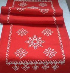 Xmas Cross Stitch, Cross Stitch Borders, Cross Stitch Patterns, Swedish Weaving, Christmas Table Cloth, Bargello, Stitch Kit, Christmas Cross, Xmas Decorations