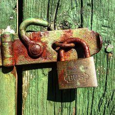 Padlocks enjoy the sun! Now I'm sure of it!  #infinity_rust #rust_of_our_world #flaming_rust #loves_details #loves_doors #rustlord_texturaunique #rustic #rust #tv_colorsplash #tv_hiddenbeauty #tv_typography #tv_doorsandwindows #jj_indetail #jj_rust #jj_rustlove #jj_texture #jj_texttypographical #jj_beautyofrust #nothingisordinary #vivodiparticolari #popyacolour #rottenfeed #grimelordsrusty #rsa_preciousjunk #rsa_rural #rsa_rurex #ig_rust #wooden_hue by lailasofiaj
