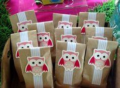 ¿Les gustan los búhos?... Esta fue una mini mesa de dulces con esta temática súper sweet! Birthday Party Themes, 2nd Birthday, Owl Party Favors, Owl Parties, Box Patterns, Colorful Party, Baby Shower Gender Reveal, Party Packs, Baby Shower Parties