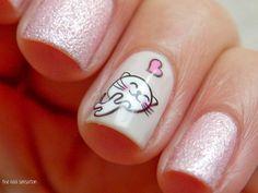uñas con diseño de gatitos <3
