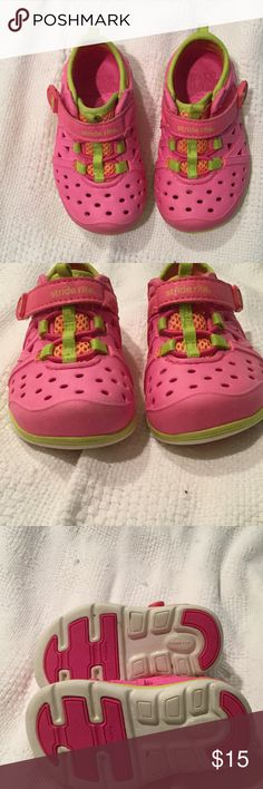 Stride rite water shoe phibean in pink 5 toddler Stride rite water shoe phibean in pink . Made to go from water, to park, to washing machine . Very durable and will protect little toes . Size 5 Stride Rite Shoes Water Shoes