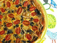 As receitas lá de casa: Tarte de cogumelos, espinafres e tomate cereja
