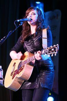 Susanna Hoffs & her special signature Rickenbacker guitar. This guitar is very rare! | Classic ...
