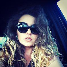 #tifannysunglasses Red Lipsticks, Makeup Looks, Mac, Glamour, Sunglasses, Painting, Fashion, Moda, Fashion Styles