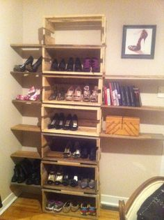 Shoes shelf from pallets #Cabinet, #Pallet, #ShoesRack