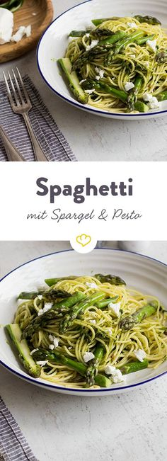 Spaghetti with asparagus and wild garlic pesto -You can find Pesto and more on our website.Spaghetti with asparagus and wild garlic pesto - Salmon Recipes, Lunch Recipes, Vegetarian Recipes, Dinner Recipes, Healthy Recipes, Spaghetti Recipes, Pasta Recipes, Cake Recipes, Wild Garlic Pesto