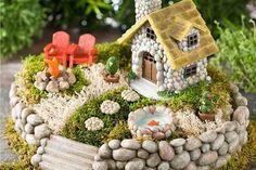 Many other ideas on DIY crafts, DIY fairy garden ideas are very popular nowadays.DIY fairy garden ideas are very enjoyable and interesting. Mini Fairy Garden, Fairy Garden Houses, Gnome Garden, Fairy Gardening, Kitchen Gardening, Fairies Garden, Green Fairy, Garden Cottage, Flower Fairies