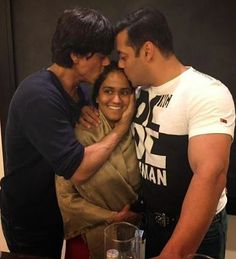 Bollywood superstars #ShahRukh and #Salman Khan came together to bless at his sister Arpita's Sangeet ceremony before #marriage.