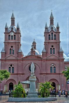 "Cathedral, ""El Señor de los Milagros"" - by Diego Rios    #Buga formally Guadalajara de Buga is a medium sized city and municipality in the #ValledelCauca department of Colombia[South America]. It is famous for its Basilica del Señor de los Milagros, which hosts an image of Christ called ""El Señor de los Milagros""."