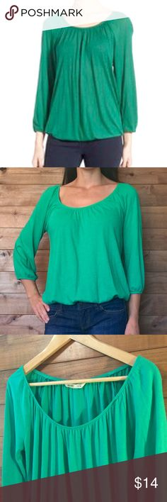 "Jersey Peasant Top - Green Old Navy green peasant-style top with elastic scoop neckline and and hem. 3/4 balloon sleeves. In excellent condition. length: 23""   underarm to underarm: 20""    60% cotton 40% Model Old Navy Tops"