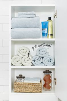 10 Stylish Tricks for a More-Organized Bathroom - Innenarchitektur Very Small Bathroom, Tiny Bathrooms, Small Bathroom Storage, Narrow Bathroom, Bathroom Drawers, Vanity Drawers, Bathroom Towels, Ikea Bathroom, Washroom