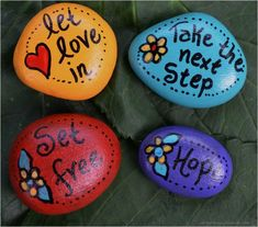 100 Inspirational DIY Of Painted Rocks Ideas 38