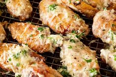 Garlic Parmesan Baked Chicken Wings: Preheat oven to F. Place chicken wings on wire rack of a roasting pan. Parmesan Chicken Wings, Baked Chicken Wings, Butter Chicken, Whole Salmon Recipe, Bake Frozen Salmon, Sauce Recipes, Chicken Recipes, Super Bowl Essen, Healthy Salmon Recipes